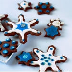 "snowflake_cookies_anthony_leberto • <a style=""font-size:0.8em;"" href=""http://www.flickr.com/photos/79455084@N07/7664851490/"" target=""_blank"">View on Flickr</a>"